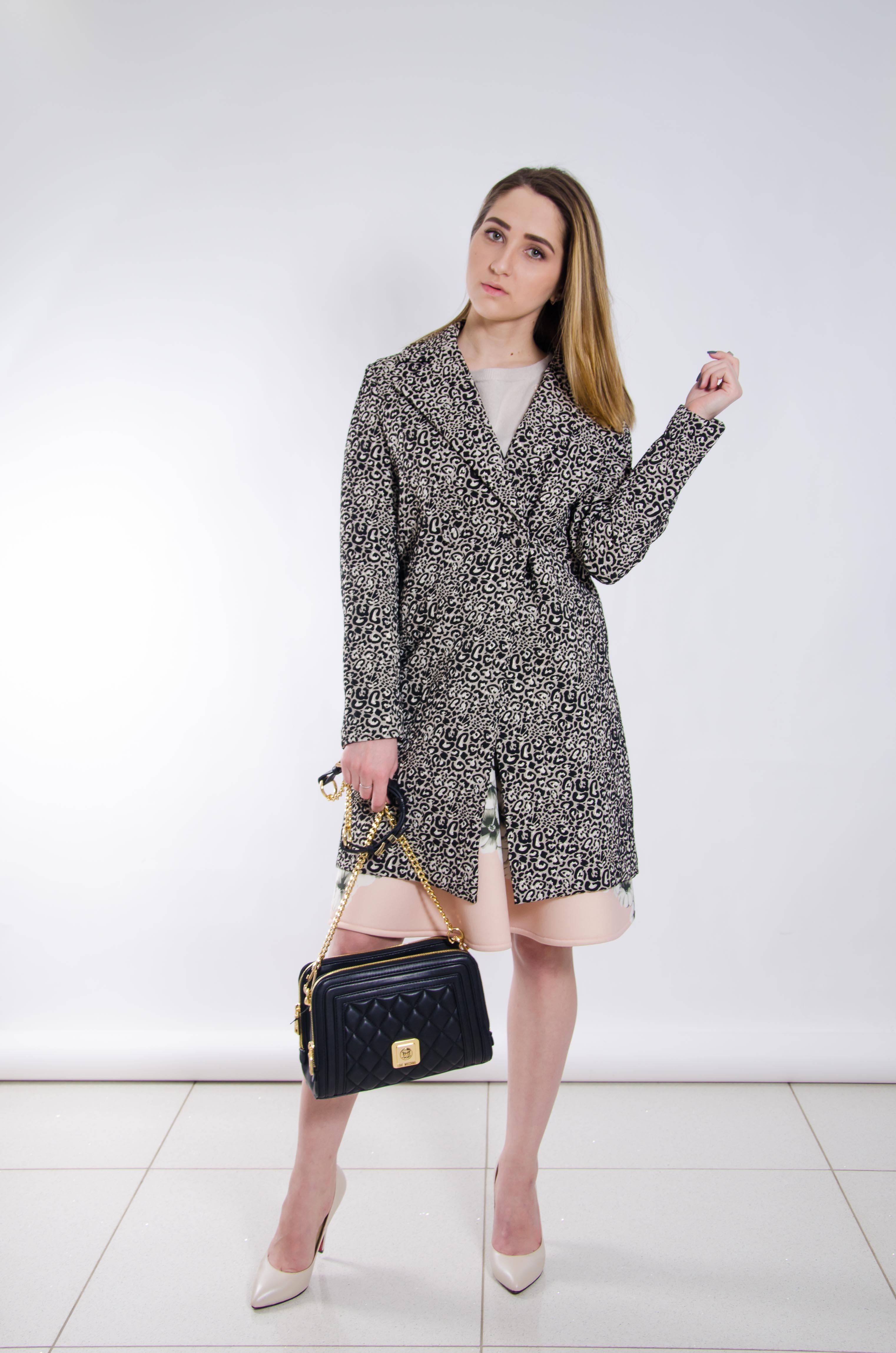 Шоппер стилист в милане девушка модель антинаркотической работы